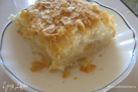 Собрать торт, посыпать крошкой. Дать постоять ночь в холодильнике и вкушать!