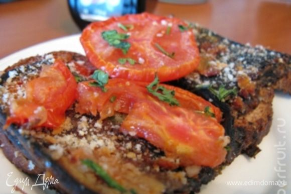 Готовое блюдо можете украсить колечком репчатого лука с листиком петрушки, укропа или чем пожелаете. Приятного аппетита!