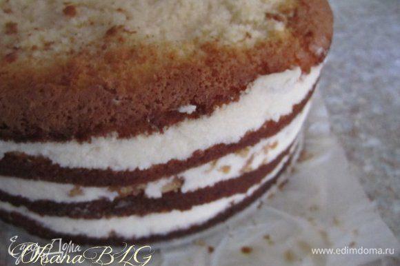 Достать торт из формы.