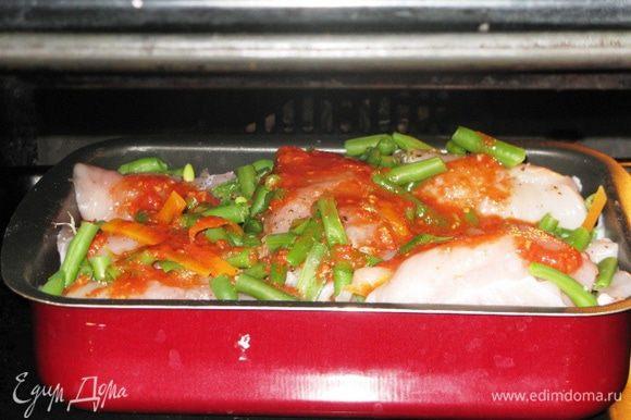 Остальное я сложила в форму для запекания, поперчила, залила второй половиной соуса и при 200 гр. запекала 40 мин. Приятного аппетита!
