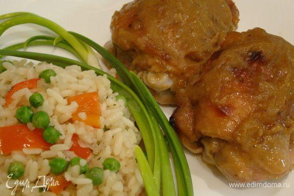 Курица получается очень нежной и вкусной. Приятного аппетита!