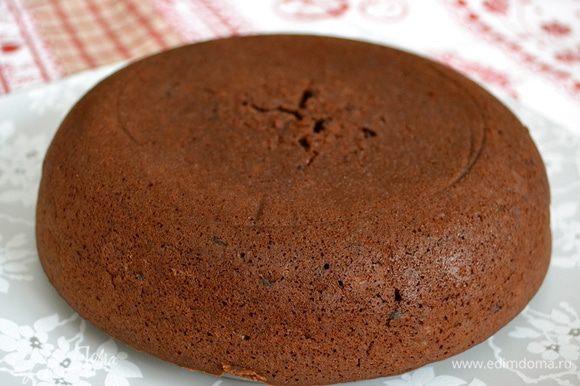 Готовый пирог украсить по вашему желанию...