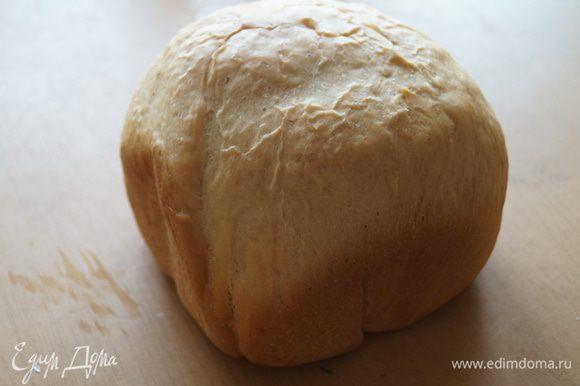 Включаем хлебопечку, выбираем программу Французский хлеб, цвет корочки выбираем средний и нажимаем кнопочку старт. К тесту можно добавить мюсли, изюм. Часа через 3,5 у нас на столе будет мягкий, теплый и вкусный хлебушек.