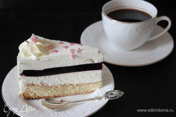 Утром холодный торт обрызгала спрей-велюром!