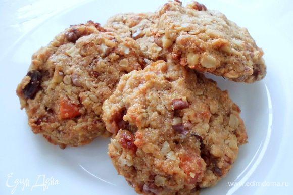 """А вчера я приготовила печенье """" Полстакана"""" по рецепту Тамары (Тата). Очень рекомендую его попробовать! Оно очень вкусное, довольно необычное и простое в приготовлении."""