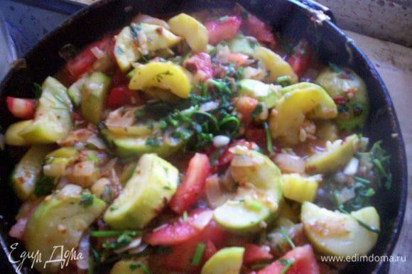 Можно использовать данное блюдо в качестве гарнира, а можно как самостоятельное овощное блюдо.