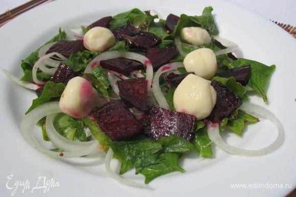 Салат готов приятного аппетита.