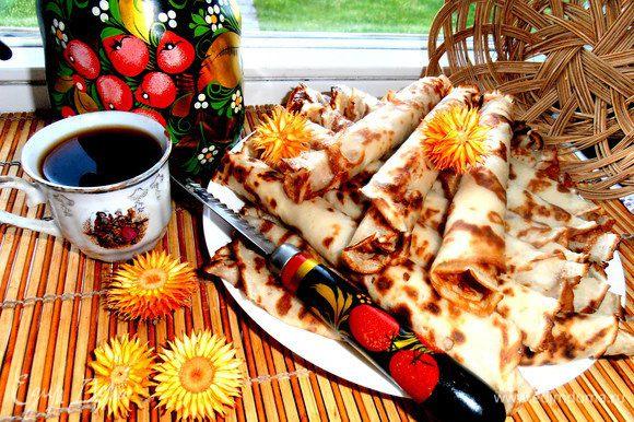 Подаём к чаю-кофе и макаем в сгущёночку каждый ролл)))))