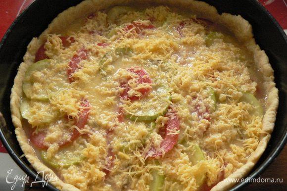Заливаем сырно-яичной смесью и ставим в духовку минут на 35-40 (запекаем до золотистой корочки).