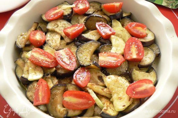 добавить порезанные помидоры