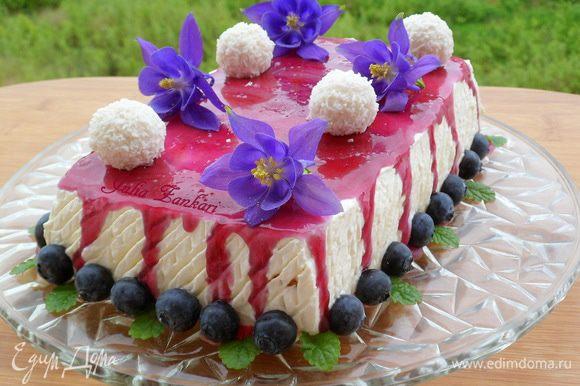 из такого же печенья я делала торт, но с мангово-черничным кремом