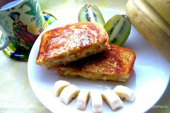 """И хрустим на здоровье тёплым """"пирожком""""))) У кого есть электрическая бутербродница, можно и в ней попробовать... Думаю, даже школьники с таким рецептом справятся)))"""