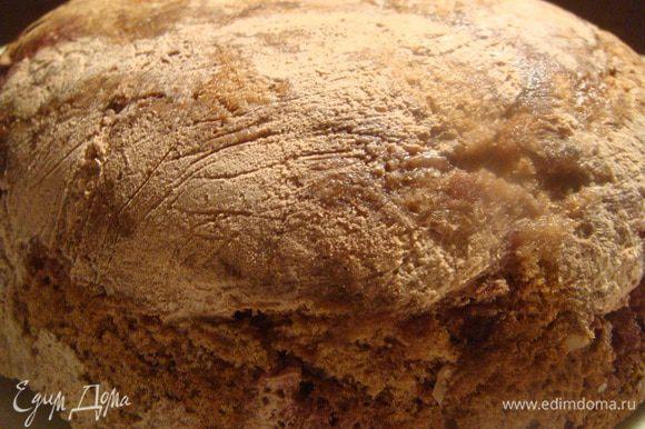 Торт охладить как следует в холодильнике, либо отправить на 15 минут в морозильную камеру! И Все! Торт готов! Перевернуть на блюдо, снять пленку и подавать! Украсить по желанию! P.S.: красивые фото торта и фото в разрезе обещаю:*)))