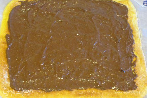 Остудить несколько минут, затем нанести шоколадную пасту ......