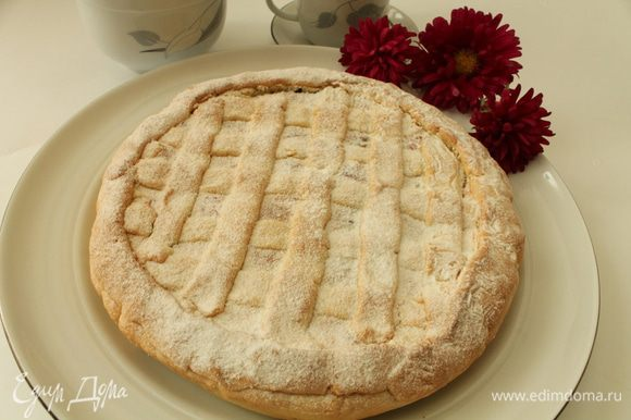 Выпекать 40-45 минут при температуре 180 градусов. Готовый пирог достать из духовки и полностью остудить. Приятного вам чаепития!