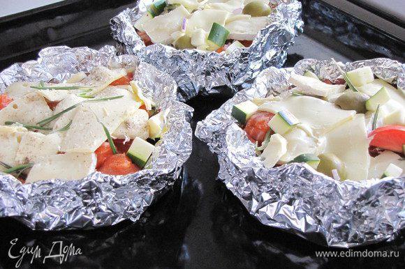 """Выложить """"блюдца"""" на противень и поставить в духовку на 250 град. в обычном режиме или с конвекцией на 12 минут."""