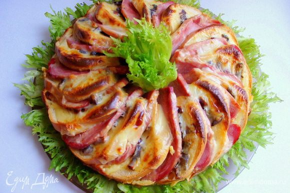 Подавать с листьями салата. Можно их и между бутербродов распределить.