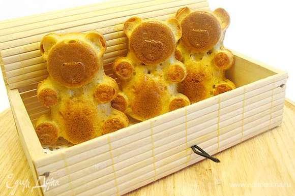 Охладить мишек на решетке, можно их разрисовать шоколадом. И приятного аппетита!!!