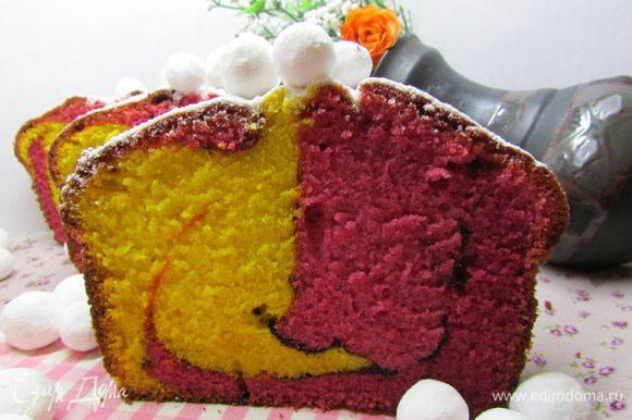 Готовый кекс хорошо остудите. Украсьте по своему желанию, я посыпала сахарной пудрой. Приятного аппетита!