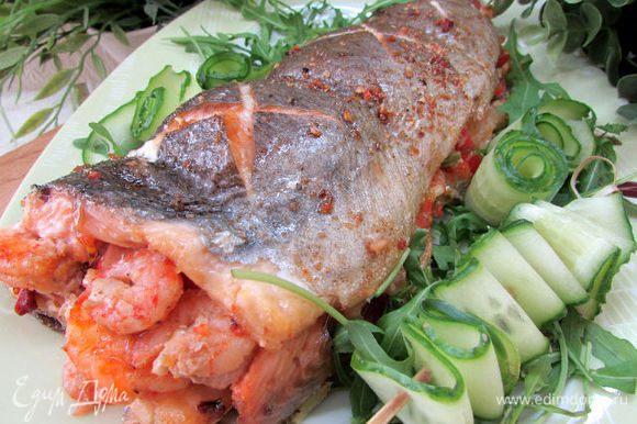 Выложите рыбу на сервировочное блюдо. Затем подавайте к столу. Приятного аппетита!