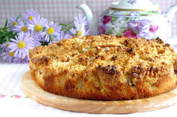 Затем пирог вынуть переложить на блюдо.
