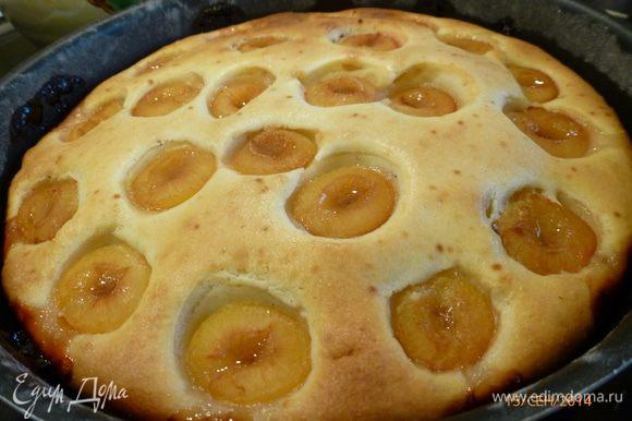 Выпекаем пирог при 180 гр 40-50 минут до сухой лучинки. Приятного аппетита!