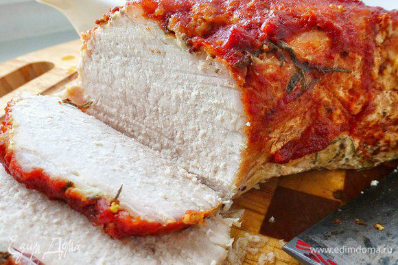 Нарезаем мясо кусочками и подаем вместе с соусом. Приятного аппетита!