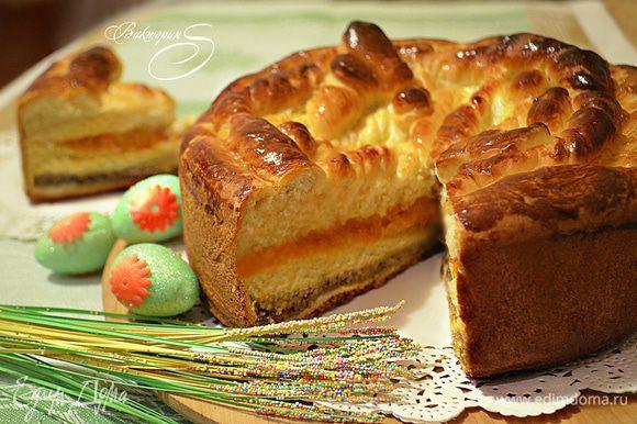 А теперь можно угощаться! Тёплый ароматный пирог с чашечкой чая, молока или кофе порадует вас и вашу семью! Приятного вам аппетита!