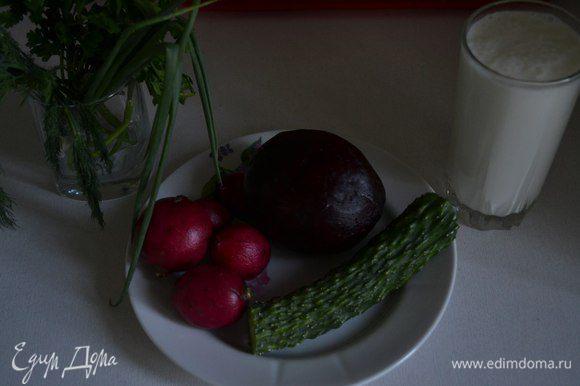 Очень простой и быстрый рецепт. Свёклу я запекала в духовке (люблю печеные овощи, вкус совсем другой получается).