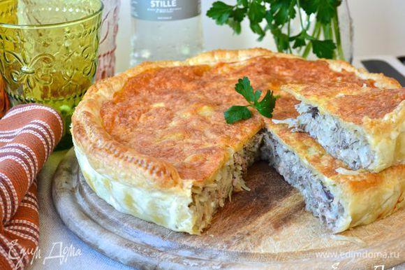А это рецепт другого капустного пирога — необыкновенно вкусного и сытного! http://www.edimdoma.ru/retsepty/77002-sloenyy-kapustnyy-pirog-s-ryboy