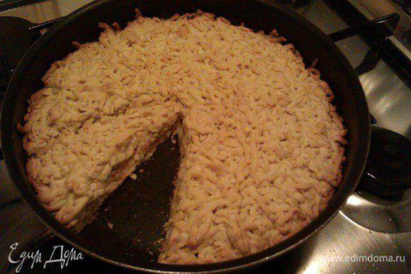 Это готовое печенье-пирог сверху.
