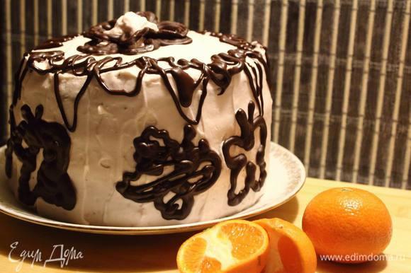Благодаря небольшому диаметру формы, торт получается высокий :)