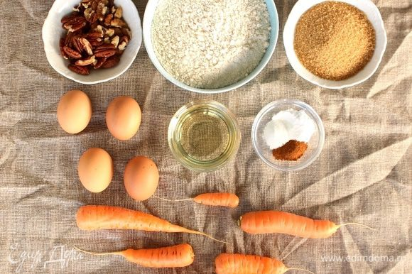 В данном рецепте я буду использовать масло кедрового и грецкого ореха Biolio в сочетании с маслом подсолнечника, вкус коржей будет богаче и иметь насыщенный ореховый вкус и аромат!