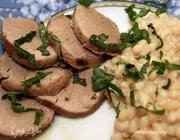 Запеченная свинина с фасолью