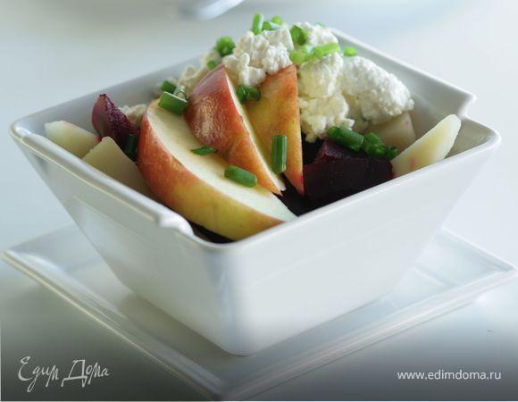 Салат из свеклы, картофеля и яблок