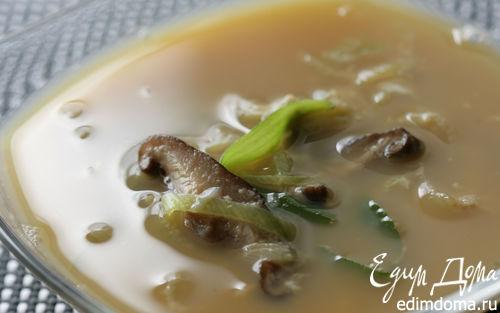 Рецепт Прозрачный суп с яйцом и луком-пореем