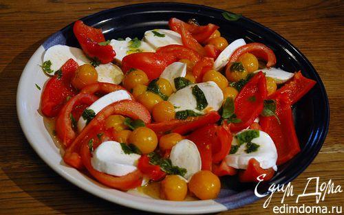 Рецепт Салат из красного перца с моцареллой