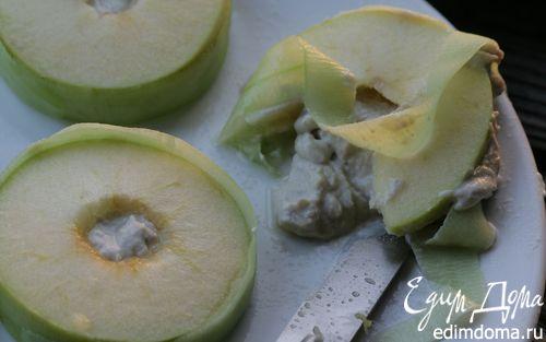 Рецепт Сэндвич из яблока с сельдью по-кончаловски