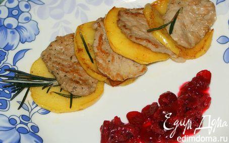 Рецепт Телятина с яблоком и ягодным соусом