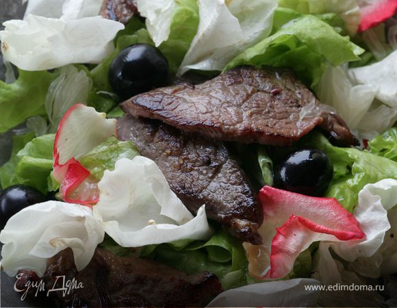 Салат с говядиной, помело и виноградом