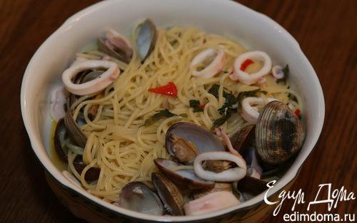 Рецепт Спагетти с мидиями, кальмарами и просекко