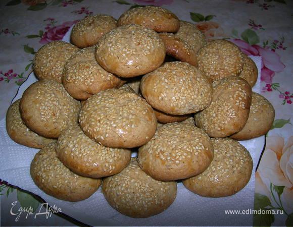 Ореховое печенье с кунжутной посыпкой
