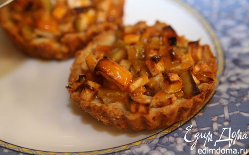 Рецепт Деревенские галеты с яблоками и абрикосовым джемом