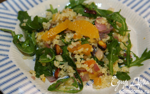 Рецепт Салат из бурого риса и руколы с курагой и апельсином