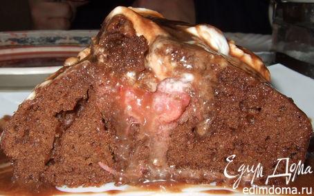 Рецепт Шоколадный кекс с клубникой и взбитыми сливками