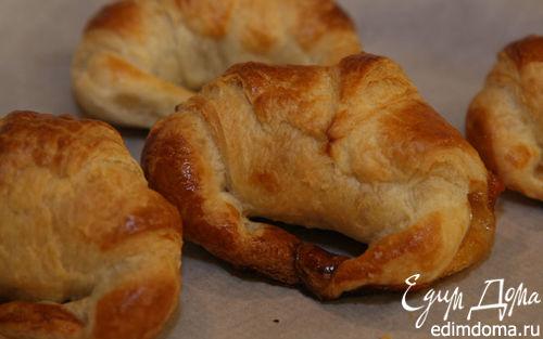 Рецепт Круассаны с конфитюром и шоколадным сыром