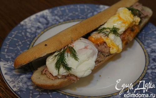Рецепт Бутерброд с яйцом, тунцом и тапенадом