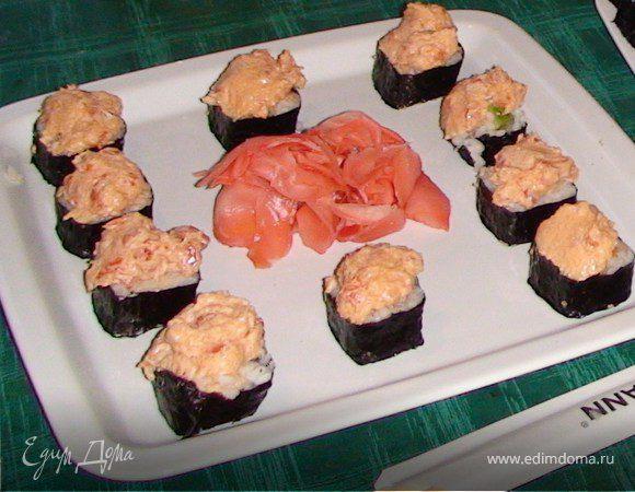 Суши, запеченные с лососем