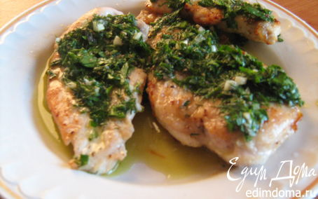 Рецепт Куриные грудки под сливочным соусом из трав