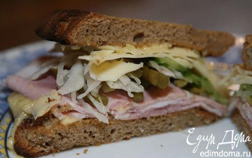 Рецепт Сэндвич с ветчиной, соленьями и сыром